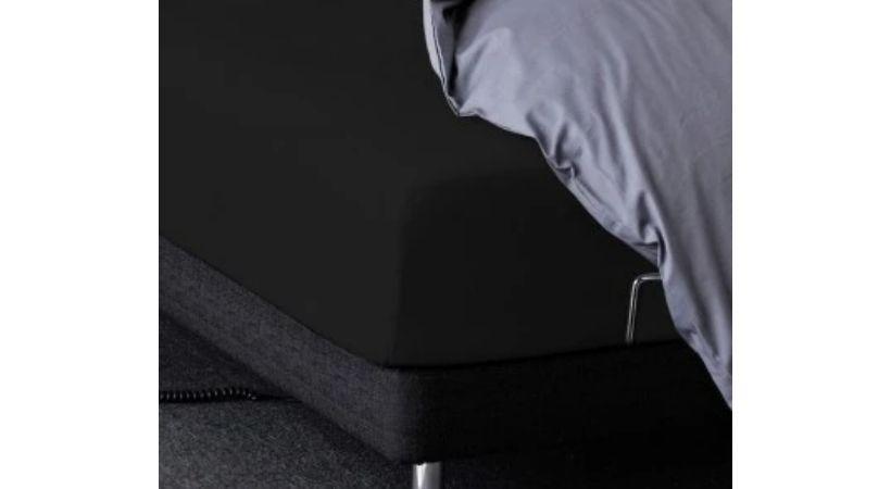 Billigt faconsyet sort lagen - Percale